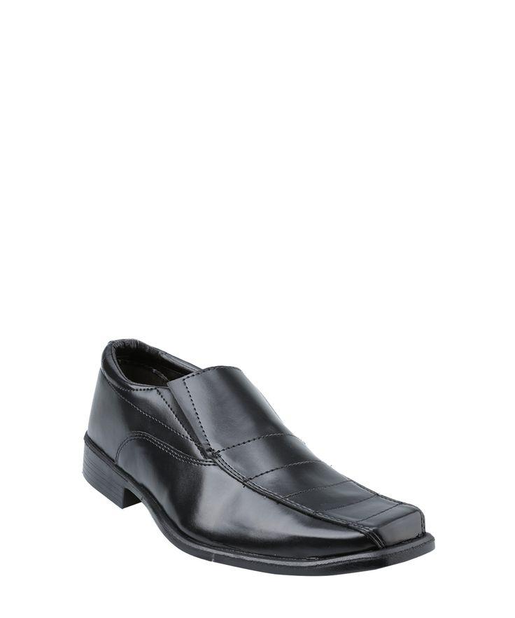 Sapatos da Moda : Sapato tem bico quadrado  demarcados na parte supe...