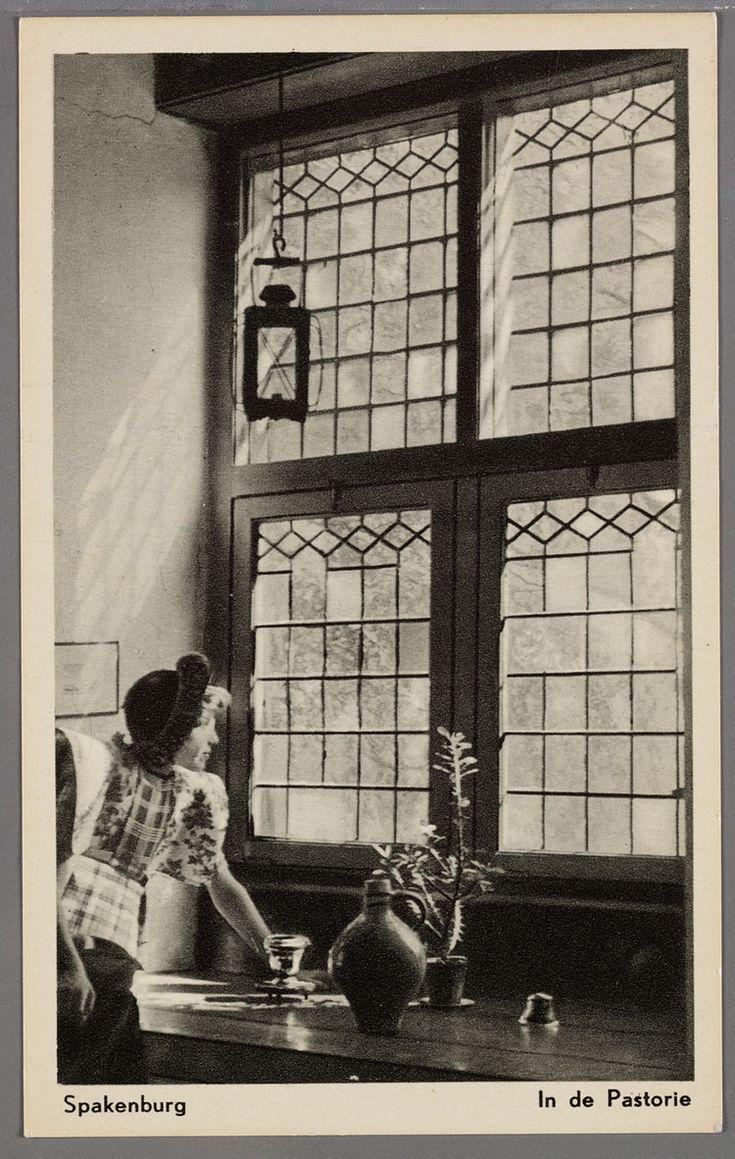 Spakenburg in de pastorie 1920 1940 vrouw in for Interieur 1900