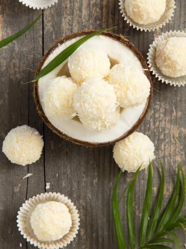 Boules noix de coco (comme celles de l'ange ;-) : Recette de Boules noix de coco (comme celles de l'ange ;-) - Marmiton