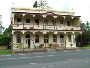 Th Gold Mines Hotel, a historic pub with a fabulous beer garden.
