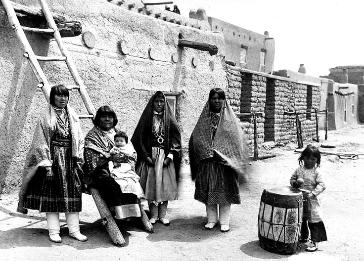 san juan pueblo women Two native american (indian) women from the san ildefonso pueblo work at   located just two miles north of the town of española, the san juan pueblo is the .