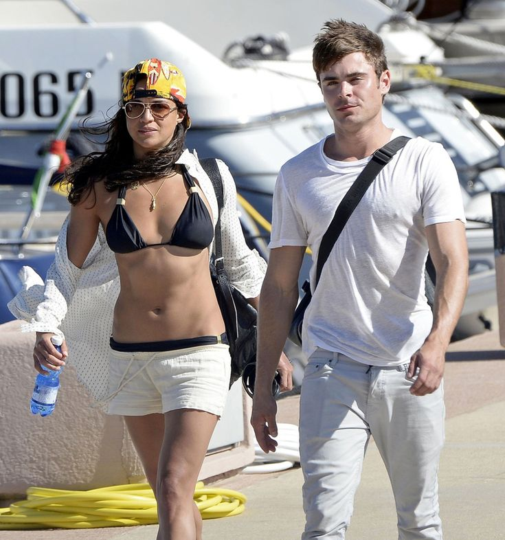 Zac Efron & Michelle Rodriguez are on vacation together in Italy