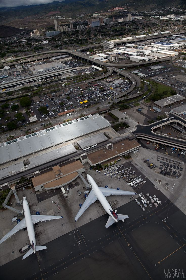 what is the biggest airport in hawaii