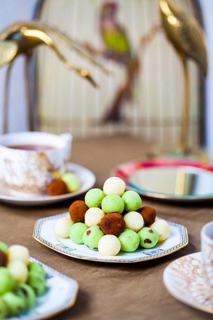 Hemsley & Hemsley: White Chocolate & Coconut Mint Truffles