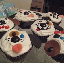 Doggie cupcakes - cute for little boy's birthday party.