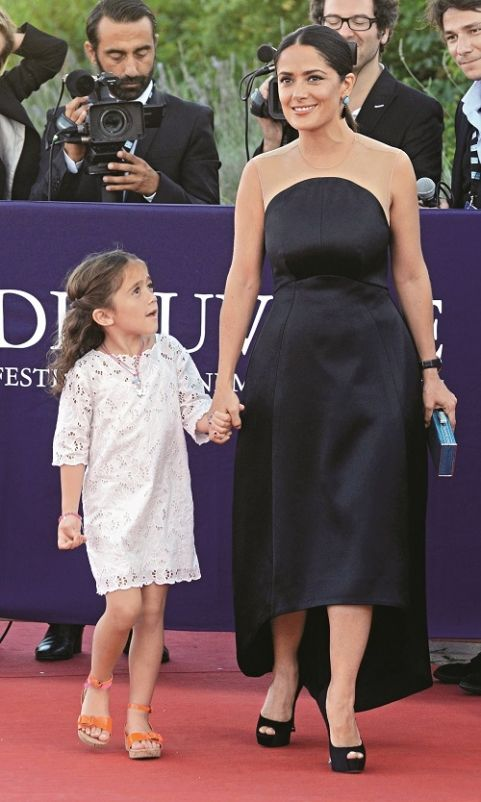 Salma Hayek on a red carpet with her equally beautiful daughter. ♥ If you enjoyed my pin, pls do visit my celebrity site at http://www.celebritysizes.com/ ♥ #celebritysizes #salma #hayek