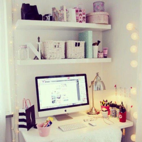 Cute bedroom en we heart it for Bedroom shelves inspiration