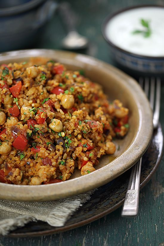 Turkish Bulgur Pilaf with Chickpeas & Tomatoes