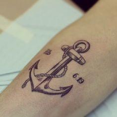 O significado da tatuagem de âncora e 64 exemplos