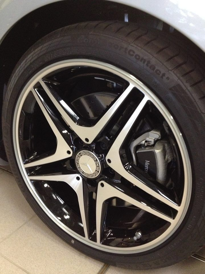 Mercedes Wheel with RimPro-Tec  (Wheel Bands)