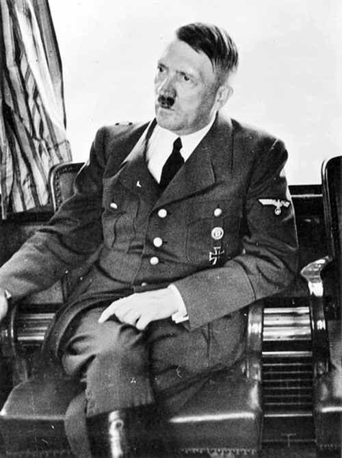 Hitler.Galeria de monstruos que en el mundo han sido. N 1.