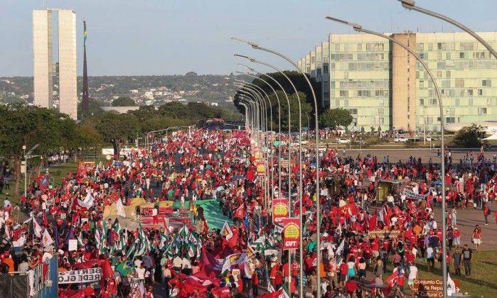 Horas depois de Dilma Rousseff ter desocupado o Planalto para que Michel Temer o ocupasse, Rui Falcão, presidente do PT federal, emitiu um comunicado curto e grosso. Dirigindo-se aos petista…