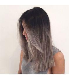 mechas californianas color plata en cabello negro