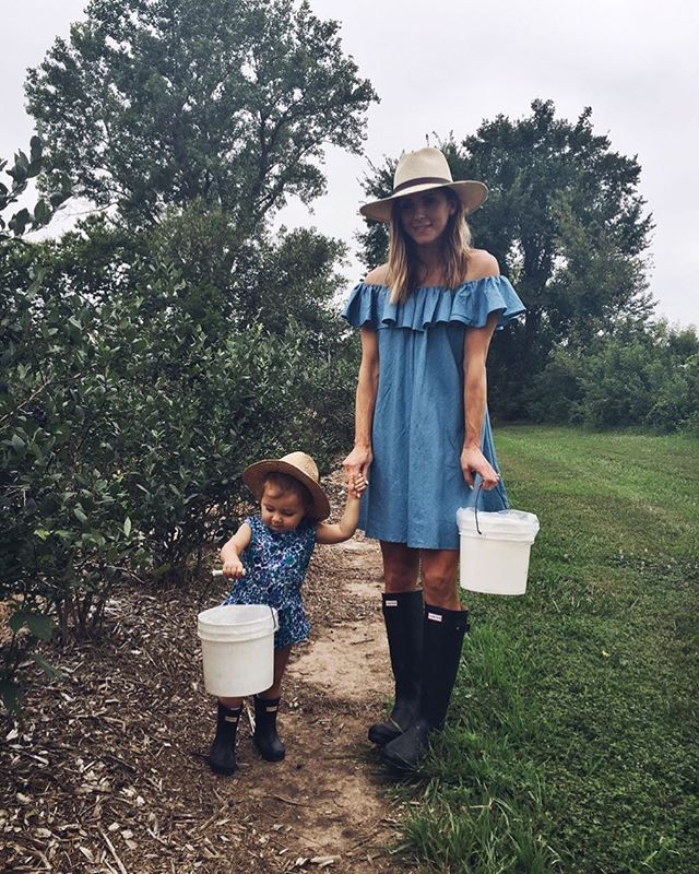 picking blueberries with the littles | outdoors in style | summer dresses & rain boots