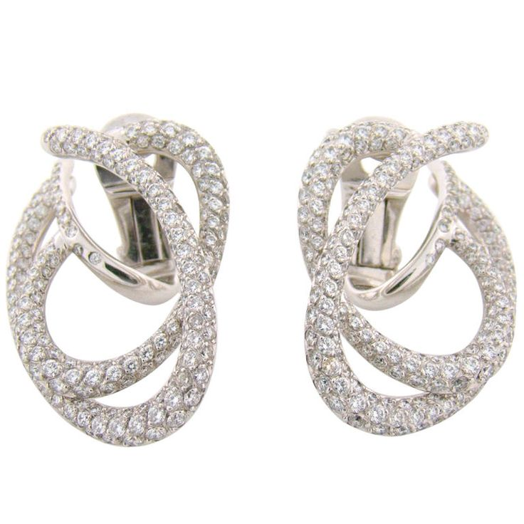 CHANEL | Diamond White Gold Earrings | {ʝυℓιє'ѕ đιåмσиđѕ&ρєåɾℓѕ}