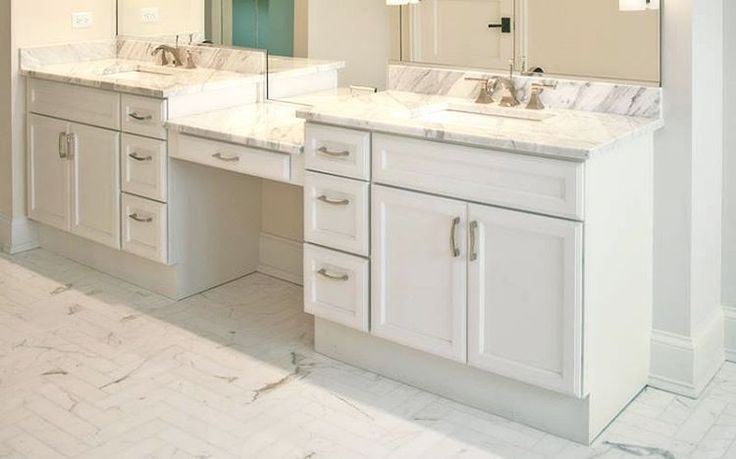 #doublesinkvanity #bathroom #white #makeuptable #plywood #maple #softclose