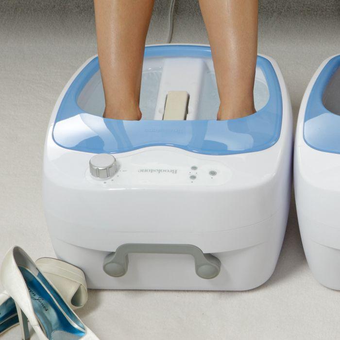 <ul><li>Multiple jets create a soothing water massage</li><li> Rolling nodes massage the bottoms of your feet</li><li> Automatically heats water to 115° F</li><li> Includes pumice stone for easy exfoliation</ul>