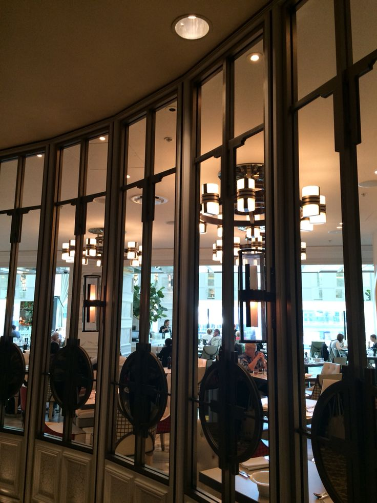 Conservatory: The repetition of the panels is repeated the whole way the down the front of the restaurant which is very pleasing to the eye. In the front section the panels are left open so you can look in and gives you sense of curiosty and interest that entices you to want to go in.