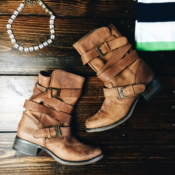 Steve Madden Brewzer brown leather wrap boot Fabulous boots that are not only super comfortable but look amazing. Worn a few times but in great condition! Steve Madden Shoes Ankle Boots & Booties