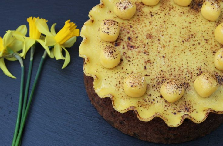 If you've had your fill of chocolate this Easter (unlikely, I know!), then this traditional Easter SIMNEL CAKE is for you. Happy Easter! Lainey x