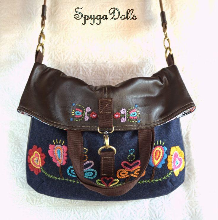 "Spygadolls Bags: Colección ""Blue Folk"", Fall-winter 14/15 (version 1 : folded sling bag)"