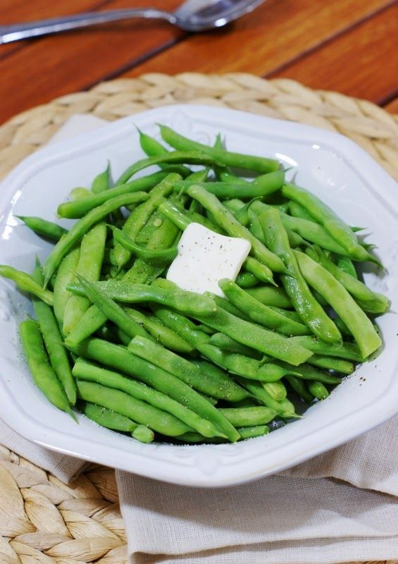 The Kitchen is My Playground: Southern-Style Green Beans {vs. 'Northern-Style' ~ The Great Green Bean Debate}