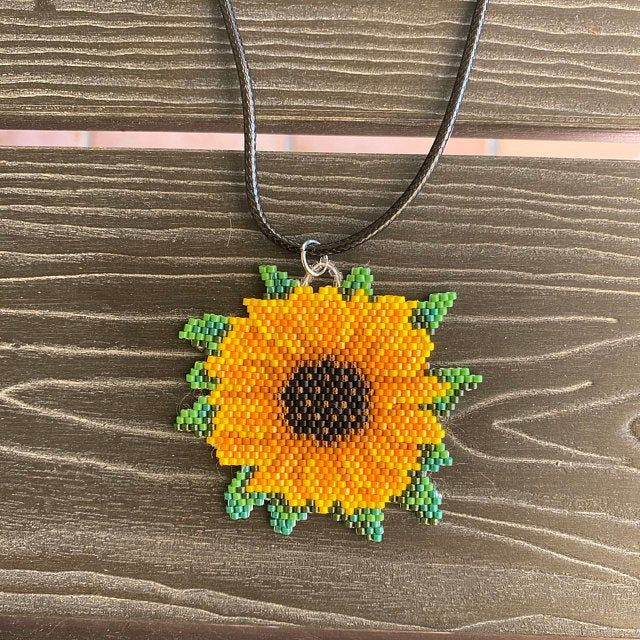 Pin On Beaded Flowers Patterns