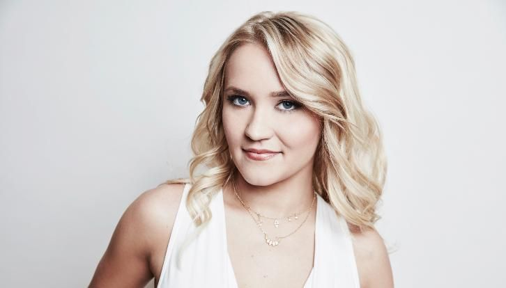The Kominsky Method - Sarah Baker Emily Osment Graham Rogers & More Join Netflix Series