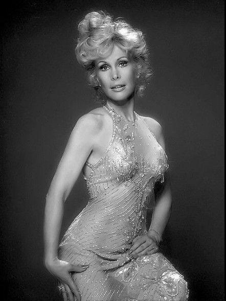 Barbara Eden nackt, Oben ohne Bilder, Playboy Fotos,