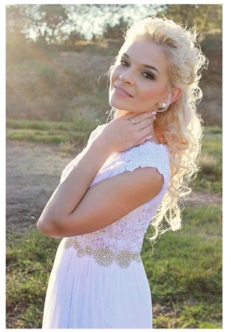 My wedding day #wedding #lacedress #longhair #curls