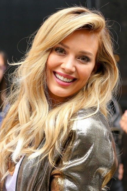 That hair on Hilary is killer. Get more Hilary Duff hair inspiration in Younger…
