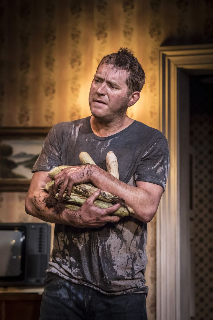 Barnaby Kay in Buried Child, Trafalgar Studios, photo Johan Persson https://www.fromtheboxoffice.com/3LM9-buried-child/