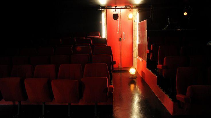 La salle de spectacle.  Théâtre de l'uchronie - 2016 www.theatredeluchronie.fr