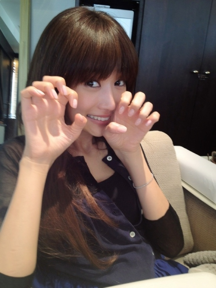 Youn-a ヨンア, Cute &...Caty ?
