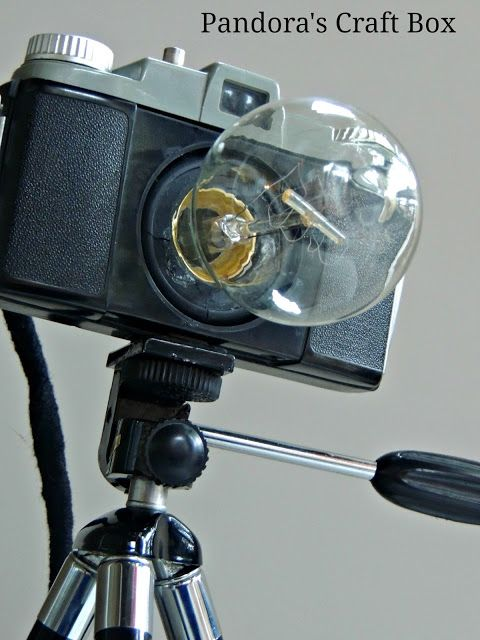 tripod and old camera lamp, oh the possibilities!!