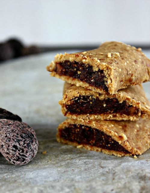 Wholehearted Eats : The Amazing Raw Fig Bar sub more coconut flour for oats to make grain free