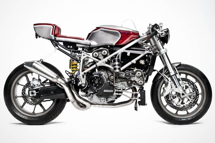 Cafe Racer Ducati 749 by South Garage Motorcycles - #CafeRacer #DucatiMotorcycles