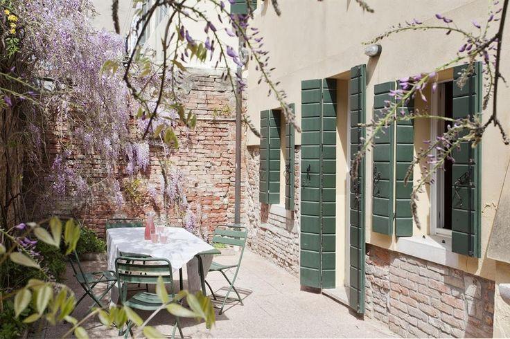 SIMEONE II apartment, Venice, Italy.