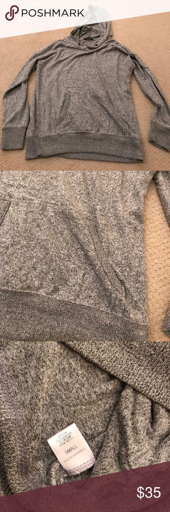 Soft thin hoodie Harlowe & Graham Hoodie Soft No strings in hood Size S harlowe & graham Tops Sweatshirts & Hoodies