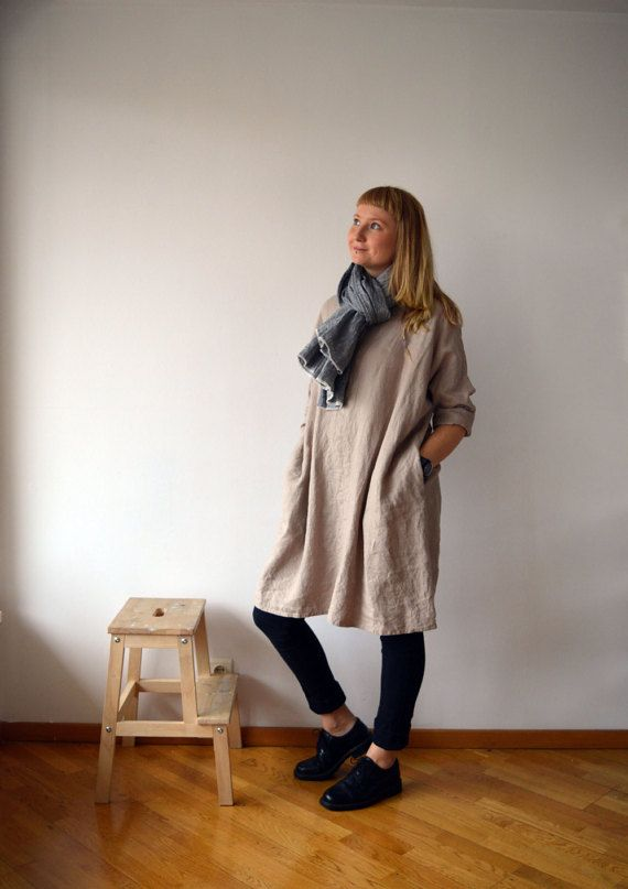 Lovely oversized linen tunic with pockets. Has 3/4 long sleeves and in line pockets for the ultimate comfort. Perfect with trousers and leggings or