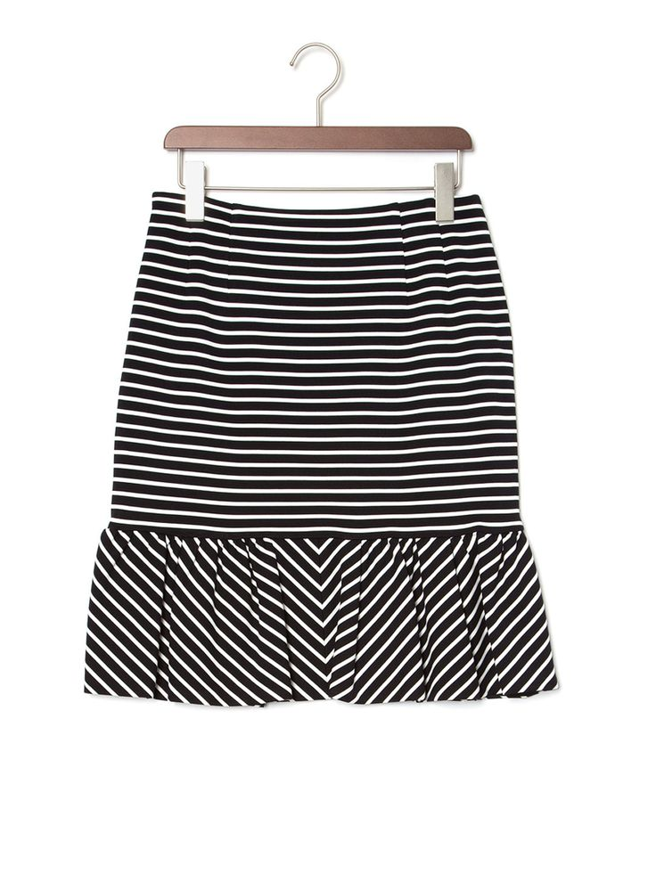 ウィメンズ 買い足しベーシック iriiri ボーダー ペプラムスカートの商品詳細。クラス感溢れる日常スタイルを提案する「iriiri」。様々な情報や価値観、世界観をいち早く感じ、自分流に可愛くミックス出来る女性をイメージして作られたウエアは、トレンド感がありながらもどこか上品な仕上がりです。