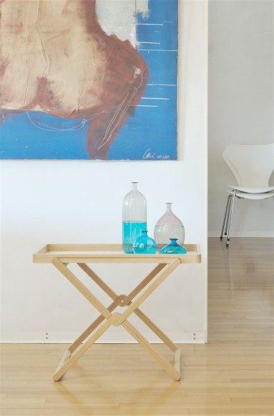 Treee Tray tavolino, vassoio, ripiano, comodino multifunzionale in legno massello disegnato da Luciano Bertoncini