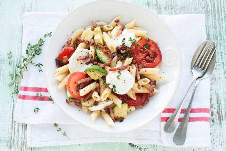 Even wegdromen bij een Italiaans zonnetje met deze verse maaltijdsalade - Recept - Allerhande