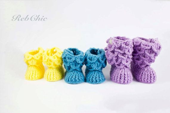 Baby booties !!! Etsy,  https://www.etsy.com/ca-fr/listing/253511187/bottillons-pour-bebe