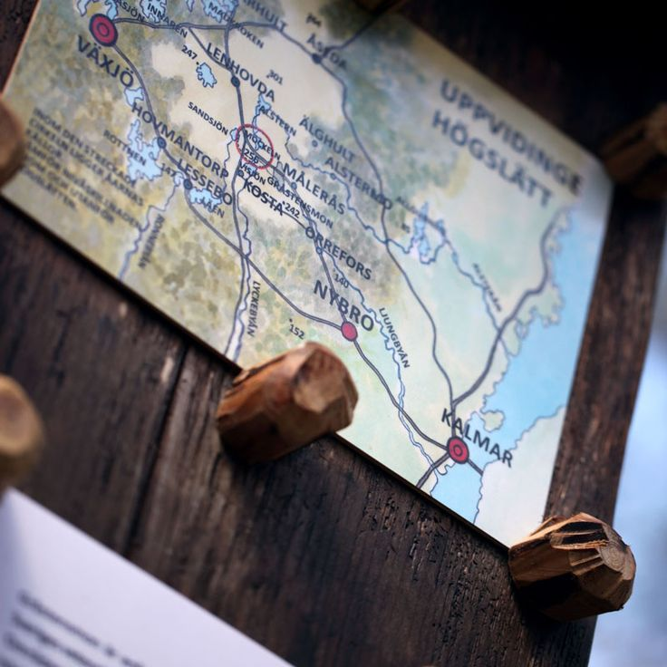 """The hiking path """"Gråstensmon"""" has 10 stops with deatiled information in Swedish, English and German."""