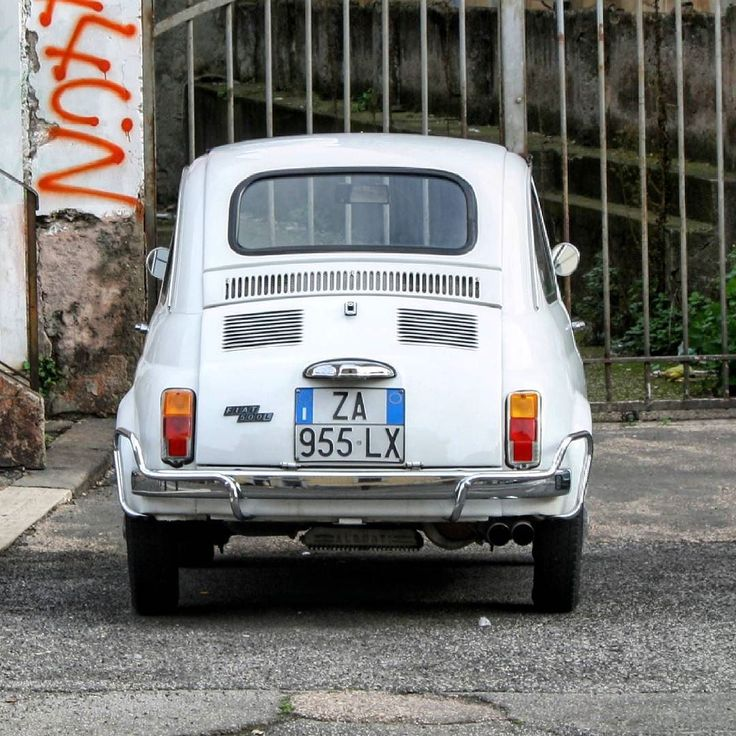 Street of Rome. My favorite old Fiat 500L