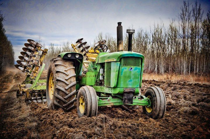Either a John Deere 5010 or a 5020