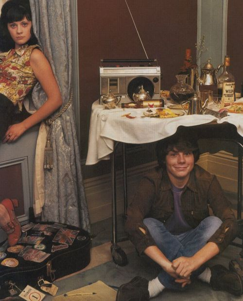 Zooey Deschanel and Patrick Fugit in a promotional still for Almost Famous