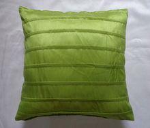 Polyester Faux seda plissada Almofada / fronha em verde / vermelho / preto(China (Mainland))