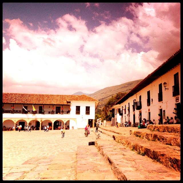 Villa de Leyva otra vista de la plaza principal @Dituristico #SomosTurismo